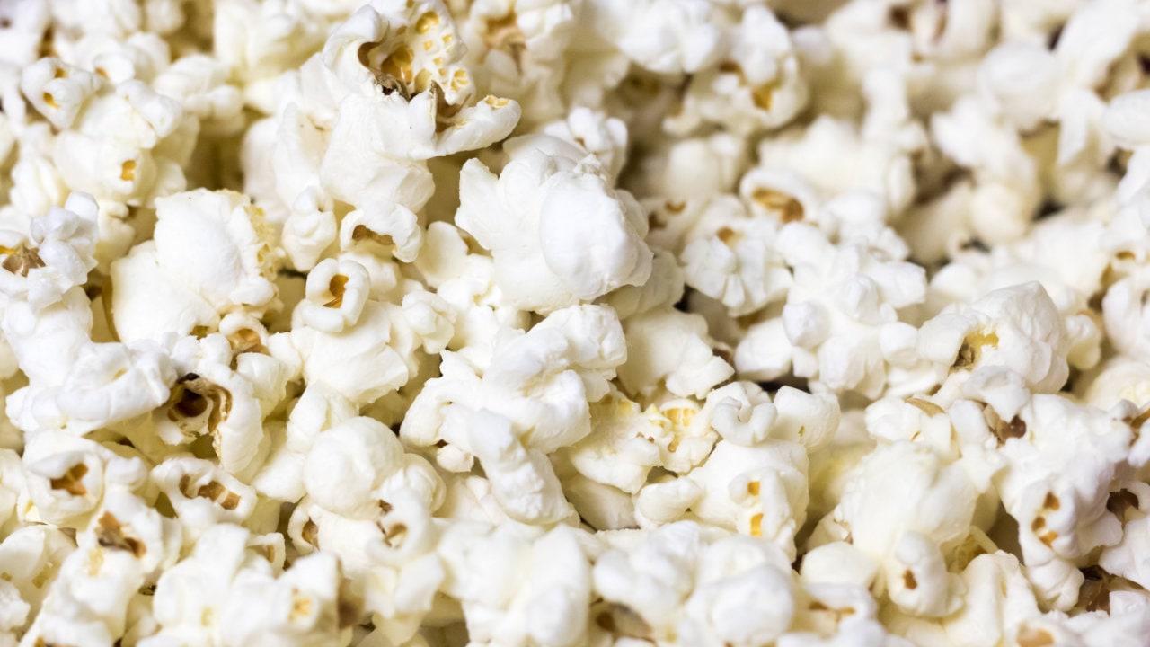 ketogene Ernaehrung mit Popcorn